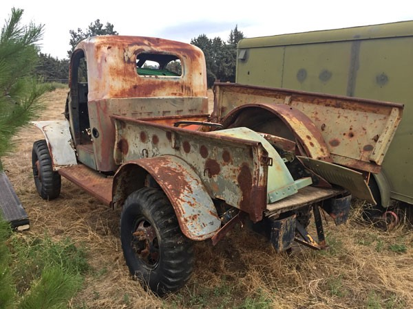 WWII 1/2 ton Dodge frame, axles, body (with civilian cab